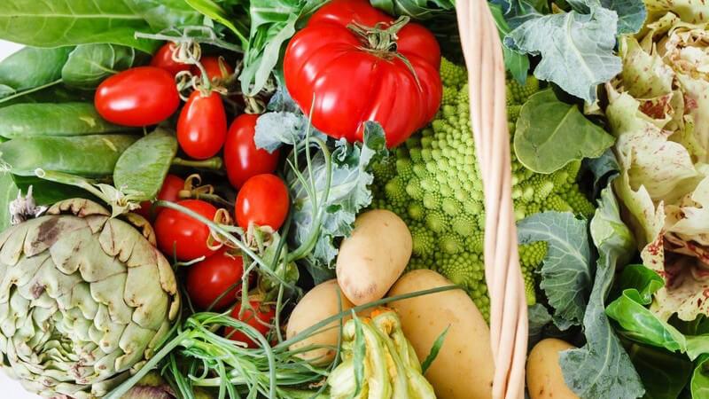 Zu den beliebtesten Sorten zählen hierzulande Kartoffeln, Möhren, Paprika und Tomaten