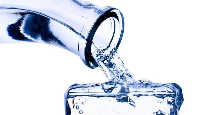Tipps zum richtigen Trinkverhalten bei vermehrtem Schwitzen