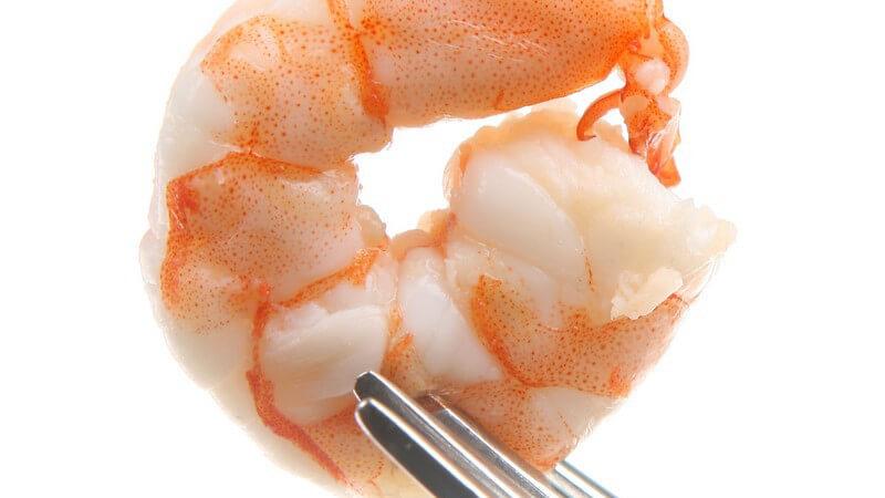 Scampi haben einen delikaten Geschmack und lassen sich vielfältig zubereiten; besonders beliebt sind Scampi vom Grill oder kombiniert mit Zitrone und Knoblauch