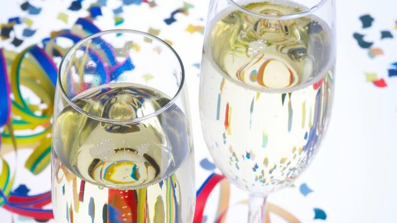 Die besten Dekotipps für eine gelungene Party und was sonst noch zu beachten ist